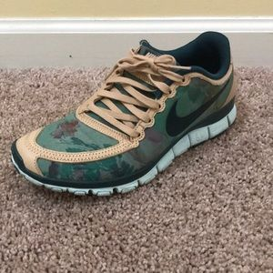 Women's Nike Free 5.0 LIB green floral and tan